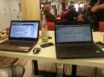 Sonntag nachmittag auf der Ratcon - parallel an 2 Laptops wird schon an neuen Artikeln gearbeitet.