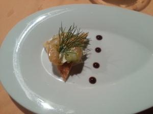 Gruß aus der Küche (Scampi mit Creme Fraiche und Toast)